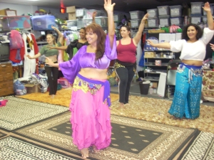 belly dance class, nacheska teaching